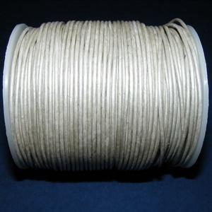 Hasított bőrszíj - 1,5 mm (18. minta/1 m) - ezüstszürke, Egyéb alapanyag, Vegyes alapanyag, Bőrművesség, \nHasított bőrszíj (18. minta) - ezüstszürke\n\nMérete: 1,5 mm átmérőjű\n\nValódi hasított marhabőrből ké..., Meska