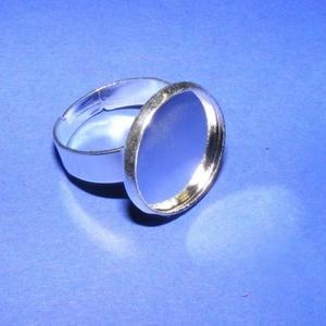 Gyűrű alap (47/A minta/1 db), Gyöngy, ékszerkellék,  Gyűrű alap (47/A minta) - ragasztható - ezüst színben  A tárcsa átmérője: 20 mmA belső átmérő: 18 m..., Meska