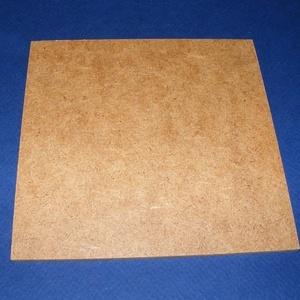 Farostlemez (30,2x30,2 cm/1 db) - natúr, Fa, Famegmunkálás, Egyéb fa,  Farostlemez - natúr    Mérete: 30,2x30,2 cmAnyagvastagság: 3 mm  Többféle méretben.Az ár egy dar..., Alkotók boltja