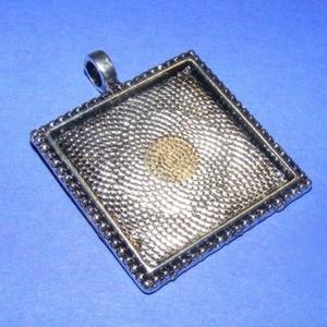 Medál alap (163/1. minta/1 db), Gyöngy, ékszerkellék,  Medál alap (163/1. minta) - szögletes - antik ezüst színben  Mérete: 31x31x2 mmA belső mérete: 26x2..., Meska