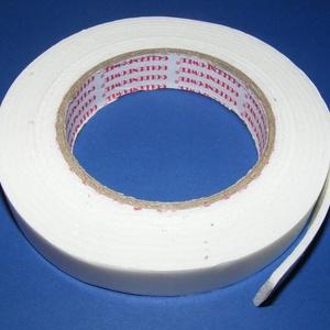 Kétoldalas ragasztószalag (2 cm/3 m) - habosított, Ragasztó,  Kétoldalas ragasztószalag - habosított  Mérete: 20 mm széles, 3 mm vastagEgy tekercsen 3 m szalag v..., Meska