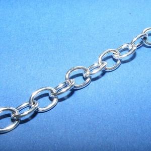 Ezüst színű lánc (57. minta/1 m) - 7,5x5,5x1,2 mm - gyöngy, ékszerkellék - Meska.hu
