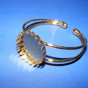 Fém karkötő alap (8. minta/1 db) - arany (Ø 25 mm), Gyöngy, ékszerkellék,  Fém karkötő alap (8. minta) - egy tárcsás - arany színben - csipkés szélűNikkel-, kadmium-, ólommen..., Meska