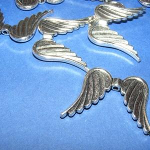 Angyalszárny (500/B. minta/1 db), Gyöngy, ékszerkellék,  Angyalszárny (500/B. minta) - antik ezüst színben  Mérete: 35x26x4mm Vastagsága:4 mmFurat: 1,5 mm  ..., Meska