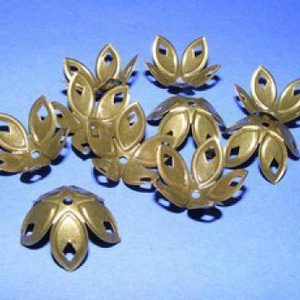 Gyöngykupak (8. minta/4 db) - 18x8 mm, Egyéb alkatrész, Gyöngy, ékszerkellék, Ékszerkészítés, \nGyöngykupak (8. minta) - virág kehely - bronz színben\n\nMérete: 18x8 mm\n\nAz ár 4 darab kehelyre vona..., Meska
