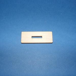 Fa talpacska (200. minta/1 db) - 47x18 mm, Fa, Egyéb fa, \nFa talpacska (200. minta) \n\r\n\r\n\nAlkalmas fa figurák (elsősorban fenyőfák) rögzítésére is.\n\nMérete: ..., Meska