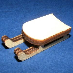 Fa szánkó (4,5x2 cm/1 db) - mini, Fa, Egyéb fa, \nFa szánkó - mini\n\r\n\r\n\nMérete: 4,5x2 cmAnyaga: natúr fa, nem pácolt, nem kezelt\n\nAz ár egy darab ter..., Meska