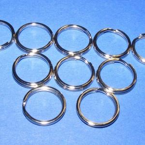 Kulcskarika (460/A minta/10 db) - 15 mm, Csat, karika, zár, Mindenmás, \nKulcskarika (460/A minta) - nikkel színben\n\nMérete: 15x2 mmAz ár 10 darab termékre vonatkozik.\n\r\n..., Meska
