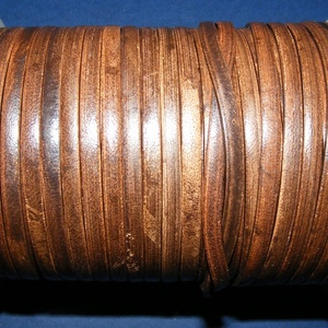 Lapos bőrszíj - 5x2 mm (2. minta/1 m) - antik sötétbarna, Vegyes alapanyag, Egyéb alapanyag,  Lapos bőrszíj (2. minta) - tekercses - antik sötétbarna  Mérete: 5x2 mm átmérőjűValódi hasított mar..., Meska