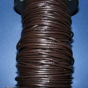 Hasított bőrszíj - 3 mm (2. minta/1 m) - sötét kávébarna, Egyéb alapanyag, Vegyes alapanyag, Bőrművesség, \nHasított bőrszíj (2. minta) - tekercses - sötét kávébarna\n\nMérete: 3 mm átmérőjűValódi hasított mar..., Meska