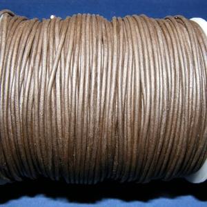 Hasított bőrszíj - 1,5 mm (2. minta/1 m) - sötétbarna, Egyéb alapanyag, Vegyes alapanyag, Bőrművesség, \nHasított bőrszíj (2. minta) - sötétbarna\n\nMérete: 1,5 mm átmérőjű\n\nValódi hasított marhabőrből kész..., Meska