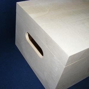 Füles fadoboz (30x20x14 cm) - szerelék nélkül, Fa,  Füles fadoboz - szerelék nélkül  Mérete: 30x20x14 cmAnyaga: natúr fa, nem pácolt, nem festett  Az á..., Meska