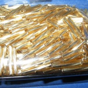 Japán szalmagyöngy-37 (2x12 mm/15 g) - csavart, ezüst közepű arany (csimbo) - Meska.hu