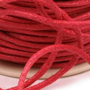 Viaszos pamutzsinór - 1,5-2 mm (ZS01. minta/1 m) - piros, Gyöngy, ékszerkellék,  Viaszos pamutzsinór (ZS01. minta) - piros  Nyakbavaló alap, karkötő alap alapanyaga. Fonáshoz, de b..., Meska
