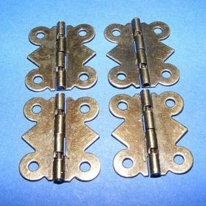 Zsanér (2. minta/1 db) - kis pillangó, Csat, karika, zár, Mindenmás,   Zsanér (2. minta) - kis pillangó - antik bronz színben  A zsanér mérete (nyitottan): 24x20 mmA fu..., Alkotók boltja