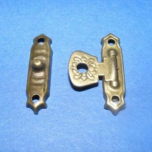 Doboz csat (15. minta/1 db) - bronz, Csat, karika, zár, Mindenmás, \nDoboz csat (15. minta) - bronz színben\n\nMérete: 25x5 mm; 25x15 mm (füles rész)\nAz ár egy darab term..., Meska