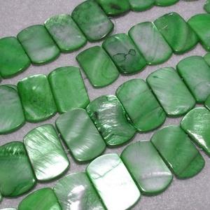 Fúrt kagyló ékszer alap (86. minta/4 db) - zöld, Gyöngy, ékszerkellék,  Fúrt kagyló ékszer alap (86. minta) - zöld   Az ékszerkészítés dekoratív kiegészítője lehet a termé..., Meska