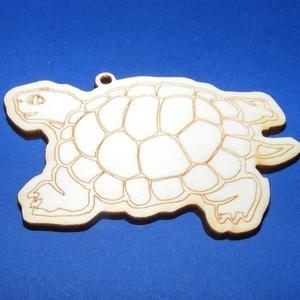 Fa alap (127. minta/1 db) - teknős, Fa, Egyéb fa, \nFa alap (127. minta) - teknős\n\r\n\r\n\nMérete: 7,5x4,5 cmAnyaga: natúr rétegelt lemezAnyagvastagság: 3 ..., Meska