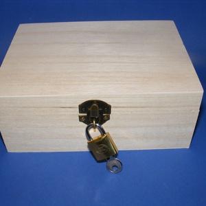 Fadoboz szögletes réz lakattal (18x13,3x7,2 cm/1 db)  (csimbo) - Meska.hu