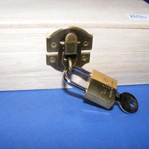 Fadoboz szögletes réz lakattal (14.5x9,5x4,5 cm/1 db)  (csimbo) - Meska.hu
