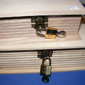 """Könyv alakú fadoboz szögletes réz lakattal (14,8x10,3x5,6cm/1 db) , Fa,    Könyv alakú fadoboz szögletes réz lakattal (14,8x10,3x5,6cm/1 db)   """"Titkos"""" dolgokhoz, szöglete..., Meska"""