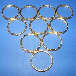 Kulcskarika (468/C minta/1 db) - 25 mm, Csat, karika, zár, Mindenmás,  Kulcskarika (468/C minta) - arany színben  Mérete: 25x2 mmAz ár 1 db termékre vonatkozik.  , Alkotók boltja