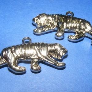 Felületkezelt műanyag medál-69 (tigris/1 db) (csimbo) - Meska.hu