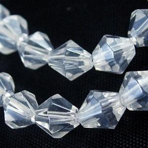 Csiszolt üveggyöngy-32 (6x6 mm/15 db) - színtelen gyémánt, Gyöngy, ékszerkellék,  Csiszolt üveggyöngy-32 - színtelen gyémánt  Mérete: 6x6 mmFurat: 1 mm  Kiszerelés: 15 db/csomag Az ..., Meska
