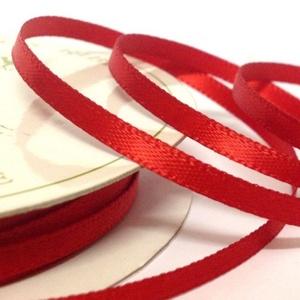 Szaténszalag (112. minta/1 m) - piros, Textil, Varrás, \nSzaténszalag (112. minta) - piros\n\nA szaténszalag selyem vagy szintetikus alapanyagból készülő, kül..., Meska