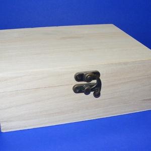 Csatos fadoboz (18x13,5x7 cm/1 db) - közepes, Fa,  Csatos doboz - közepes   Mérete: 18x13,5x7 cmAnyaga: natúr fa, nem pácolt, nem festett  Az ár egy d..., Meska