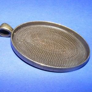 Medál alap (167. minta/1 db), Gyöngy, ékszerkellék, Ékszerkészítés, \nMedál alap (167. minta) - ovális - bronz színben\n\nMérete: 50x33x3 mmA belső mérete: 40x30 mm\r\nA med..., Meska