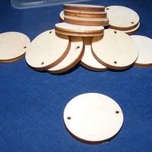 Fa alap (166/B minta/1 db) - két furatos korong (Ø 30 mm), Fa, Egyéb fa, \nFa alap (166/B minta) - két furatos korong \n\nMérete: Ø 30 mmAnyaga: natúr rétegelt lemezAnyagvasta..., Meska