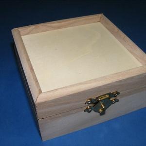 Fadoboz (17x17x7,5 cm/1 db) - peremes, Fa,  Fadoboz - peremes  Mérete: 17x17x7,5 cmAnyaga: natúr fa, nem pácolt, nem kezeltA tető kialakítása l..., Meska