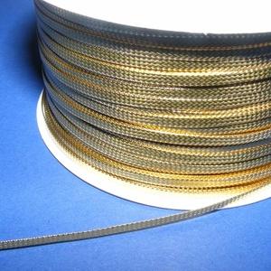 Lapos metál szalag (2,5 mm/5 m) - arany, Textil, Varrás, \nLapos metál szalag - arany színben\n\nRendkívül dekoratív, fényes szalagSzélessége: 2,5 mm\n\nKapható e..., Meska