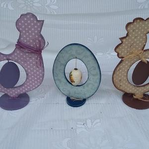 tyúk, kakas, tojás szett, Otthon & lakás, Dekoráció, Ünnepi dekoráció, Húsvéti díszek, Érdekes húsvéti dekoráció szett. Tyúk, kakas, tojás. A tyúk és kakas közepén fa, lap tojások vannak ..., Meska