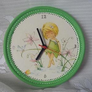 Kerámia óra, Gyerek & játék, Ékszer, Gyerekszoba, Kerámia óra gyerekszobába. Cuki szalvétát választottam, ezüst és zöld kontúrozóval díszítettem továb..., Meska