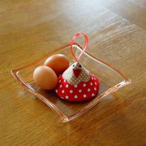 Húsvéti dekor és edényfülfogó 1 pár, Otthon & lakás, Konyhafelszerelés, Edényfogó, Varrás, Húsvéti dekorációnak használható csibék, melyeket a Húsvét elmúltával a konyhában használhatod a for..., Meska