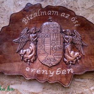 Nagy magyarország, Művészet, Más művészeti ág, Famegmunkálás, Szobrászat, Kézzel faragott nagy magyarország térkép angyalos címerrel.\n\nMéretek:53x32 cm, Meska