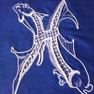 Halak horoszkópos párna-huzat, Párna & Párnahuzat, Lakástextil, Otthon & Lakás, Csipkekészítés, Hímzés, 45 x 45 cm-es díszpárna huzatot varrtam kék sifonból, melyet fehér pamutcérnával díszítettem hagyomá..., Meska