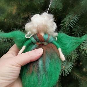 Zöld gyapjú angyal, Karácsony & Mikulás, Karácsonyi dekoráció, Fonás (csuhé, gyékény, stb.),  A Waldorf-baba természetes anyagokból (gyapjúból, vászonból, stb) készül, tudatosan rendkívül egysz..., Meska