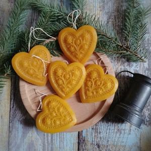 Életfás szív /karácsonyfadísz/, Karácsony & Mikulás, Karácsonyfadísz, Gyertya-, mécseskészítés, A méz illatát, a méhek szorgalmát , a nyári nap ☀️ melegét... és szívből jövő szeretetet ❤️ rejti ma..., Meska