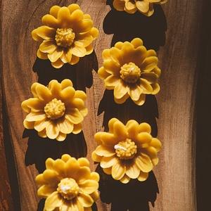 Margaréta, Otthon & Lakás, Dekoráció, Gyertya & Gyertyatartó, A méz illatát, a méhek szorgalmát , a nyári nap ☀️ melegét... és szívből jövő szeretetet ❤️ rejti ma..., Meska