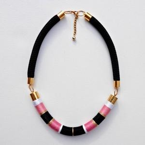 AKCIÓ!! Fekete-pink tekert , Medál nélküli nyaklánc, Nyaklánc, Ékszer, Ékszerkészítés, A most nagyon modern technika használatával készült a következő nyakék, fekete,fejér, és rózsaszín (..., Meska