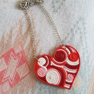 """AKCIÓ!!!! \""""Szerelem\"""" nyaklánc AKCIÓ!!!!  / love pár szív csavart hullám Valentin nap kedves ajándék kapcsolat medál, Ékszer, Medál, Nyaklánc, Gyurma, Ékszerkészítés, Csavart technikával készített szív alakú medál, ezüstözött láncon. \n\nA képen szereplő termék a hirde..., Meska"""