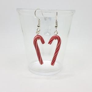 Karácsonyi cukorpálca fülbevaló , Ékszer, Fülbevaló, Ékszerkészítés, Gyurma, Süthető gyurmából készítettem ezeket a cuki kis cukorpálcákat, fülbevalónak. \n\n\nA fülbevalók mérete ..., Meska