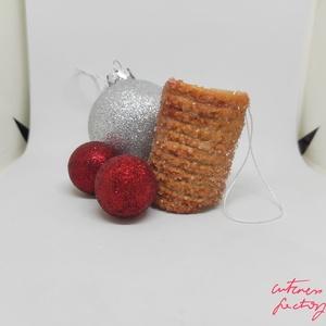 Kürtőskalács karácsonyfadísz , Karácsony & Mikulás, Karácsonyfadísz, Gyurma, Ékszerkészítés, Az egyik kedvenc őszi/téli nyalánkságom a kürtős kalács! \n\nEbből kifolyólag készítettem el karácsony..., Meska