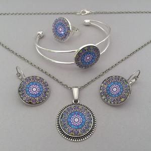 Inka mandala No.1 üveglencsés ékszerszett, Ékszer, Nyaklánc, Fülbevaló, Ékszerszett, Ékszerkészítés, Az ékszerszett nyakláncból, fülbevalóból, karperecből és gyűrűből áll. Az üveglencsés nyaklánc ezüs..., Meska
