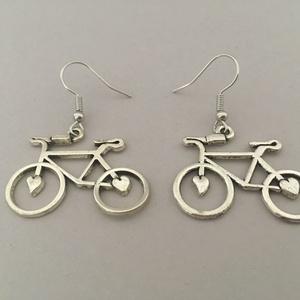 Biciklis fülbevaló, Ékszer, Fülbevaló, Lógó fülbevaló, Ékszerkészítés, Biciklis fülbevaló, hosszúsága 3 cm, szélessége 3 cm., Meska