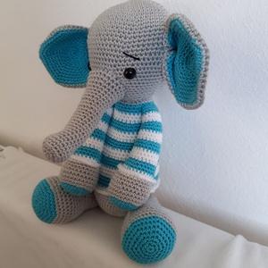 Elefánt-  csíkos, Elefánt, Plüssállat & Játékfigura, Játék & Gyerek, Horgolás, Horgolt elefánt, minőségi pamut fonalból készült. 31 cm hosszú. \nMosható, nem szöszös fonalból horgo..., Meska