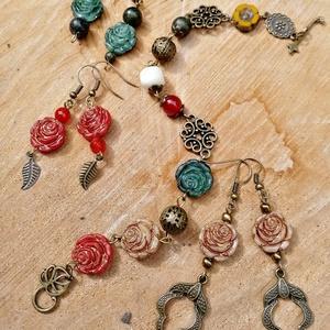 Rózsa szerelem szett, Ékszer, Ékszerszett, Gyöngyfűzés, gyöngyhímzés, Ékszerkészítés, Gyönyörű cseh üveggyöngyökből  készült karkötő antikol fém köztesekkel kiegészítve  , hozzá illő 3 p..., Meska
